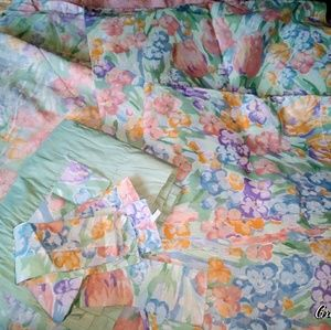 ❤EUC! Vintage Comforter Set + Curtains and Extras❤